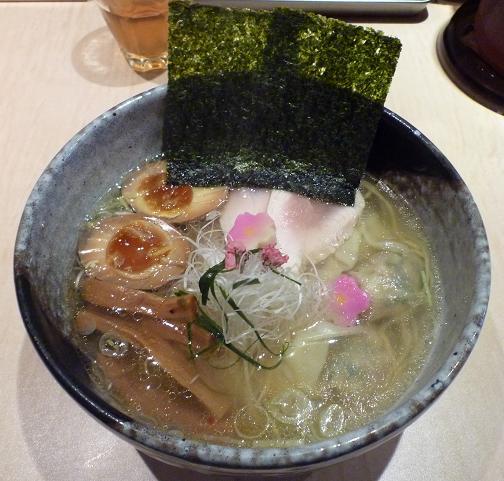 『麺喰屋 澤』 鯛出汁スープに桜薫る春麺(1000円)