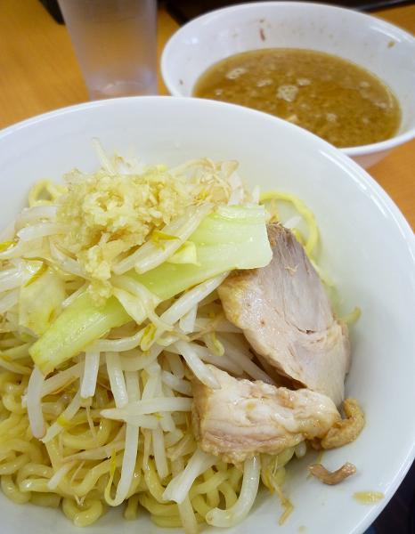 『○菅』 つけ麺(ニンニク)750円
