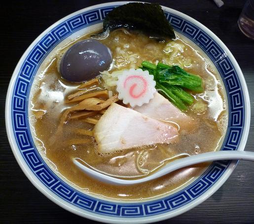 『麺や ポツリ』 味玉中華そば(並・780円)