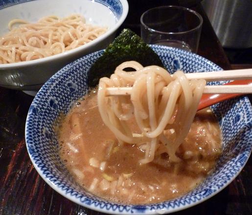 『俺の麺 春道』 つけ麺(麺リフト)