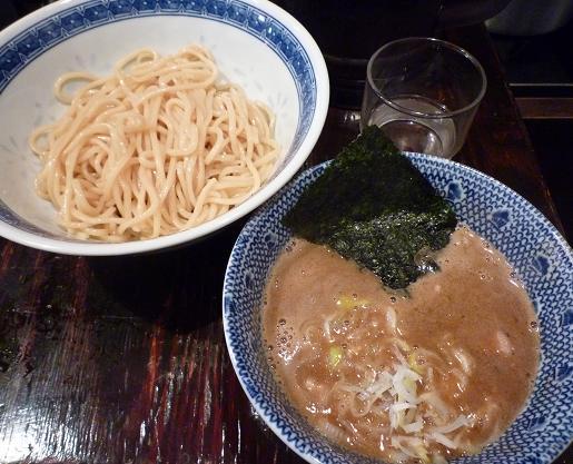 『俺の麺 春道』 つけ麺(並・750円)