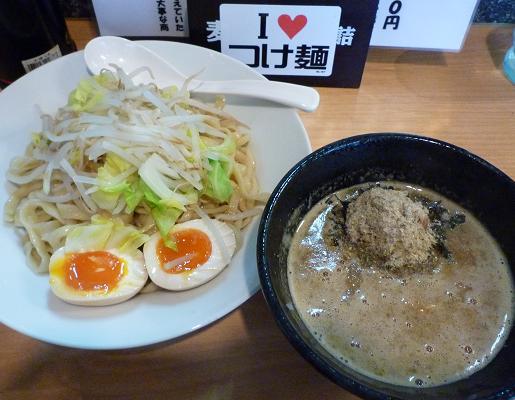 『つけ麺 Nijinoito』 ワイルドつけ麺(200g+サービスの味玉) 850円