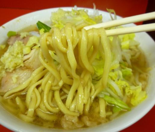 『ラーメン二郎 千住大橋駅前店』 小ラーメン・ニンニク(麺リフト)