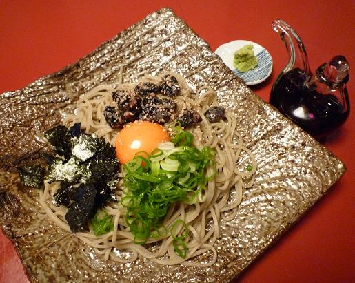 『玄蕎麦 野中』 丹波の黒豆納豆そば(1050円)