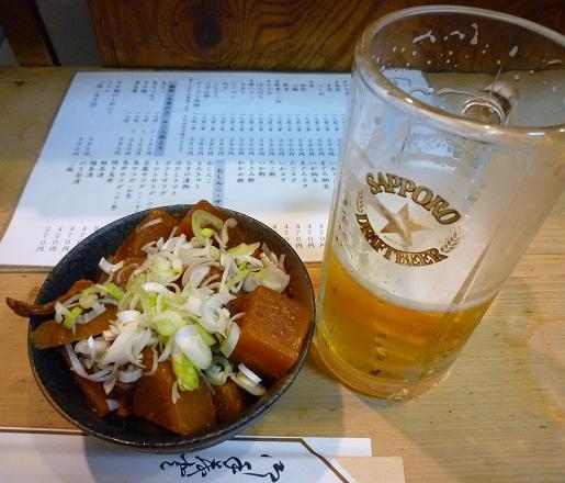 『鳥升』 煮込みと生ビール