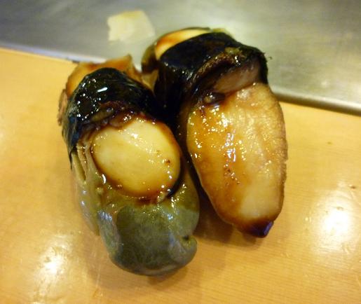 『栄寿司』 とこぶし(1貫200円?)