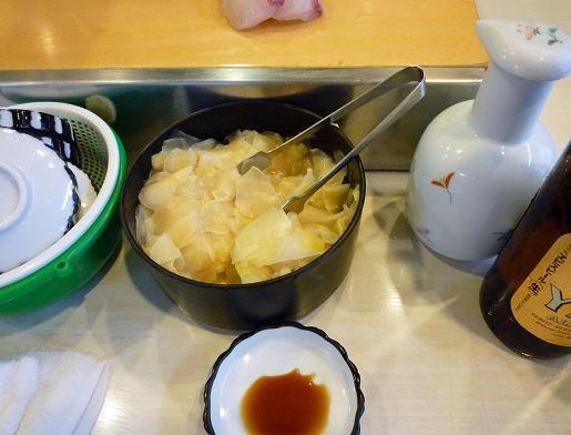 『栄寿司』 卓上の様子