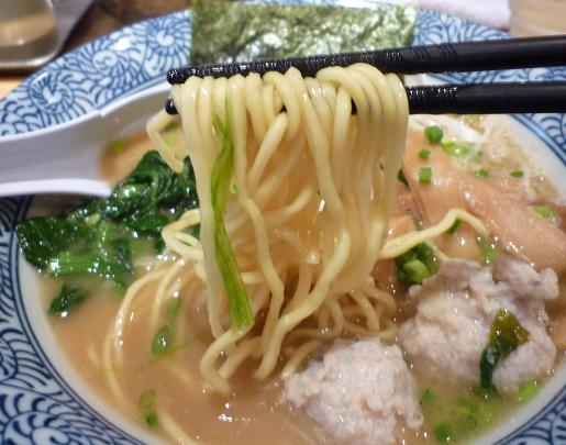 『麺屋 一燈』 濃厚魚介らーめん(麺リフト)