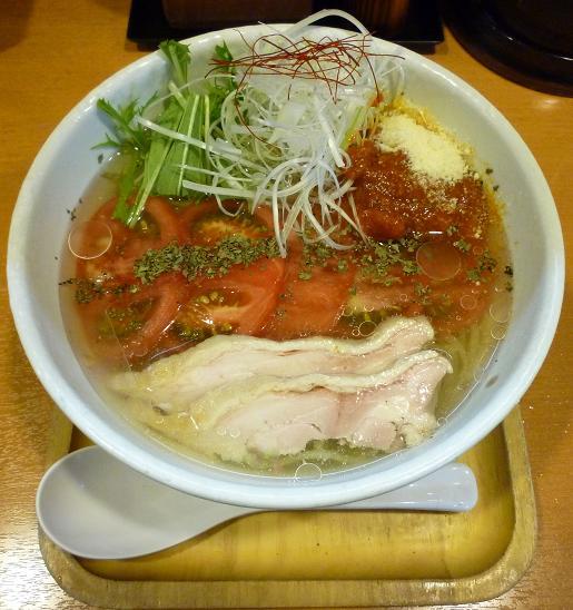 『らー麺 もぐや』 冷やしトマトらーめん(2010年夏期限定、850円)