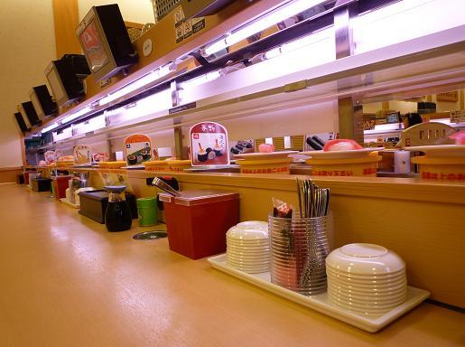 『かっぱ寿司 葛飾立石店』 カウンターから見たレーン