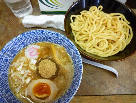 『六厘舎』 つけめん(麺少なめ・味玉半個付) 850円