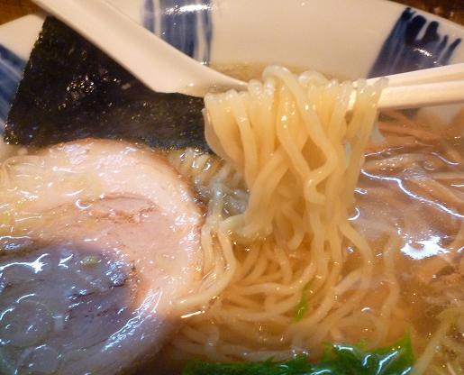 『ラーメン食堂 粋な一生』 塩ラーメン(麺リフト)