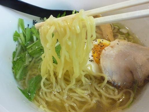 『牛骨ラーメン 香味徳 銀座店』 香味徳ラーメン(麺リフト)