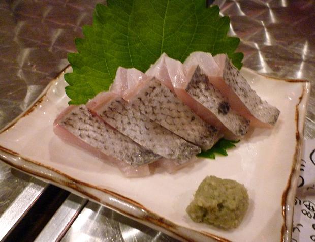 『地魚屋台 とっつぁん』 だるま(めだい)刺(300円)