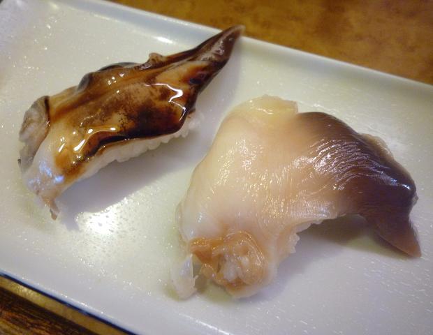 『奴寿司』 トリ貝とホッキ貝(「おまかせ」の五皿め)