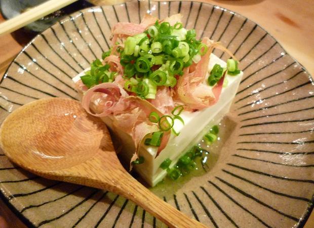 8『居酒屋 やまちゃん』 自家製豆腐の冷奴