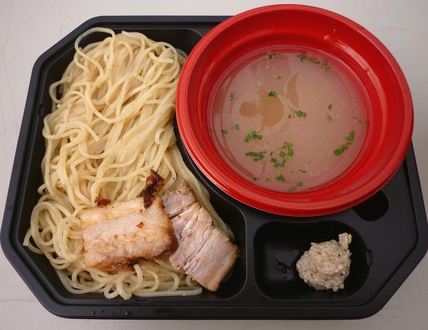 『THE ORIGIN HAJIME!@大つけ麺博』 塩つけ麺・大つけ麺博バージョン(女子盛り?のはず…)700円