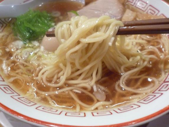 『江戸前つけ麺 サスケ』 江戸前中華そば(麺リフト)