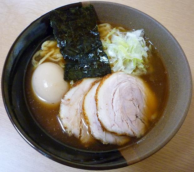 『春紀』 らーめん(味玉付)690円