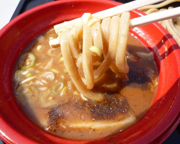 『中華蕎麦 とみ田@大つけ麺博2010秋』 厳選国産小麦(女子盛) 麺リフト