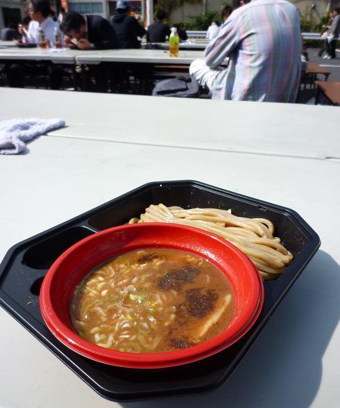 『中華蕎麦 とみ田@大つけ麺博2010秋』 厳選国産小麦(女子盛)会場の雰囲気と共に