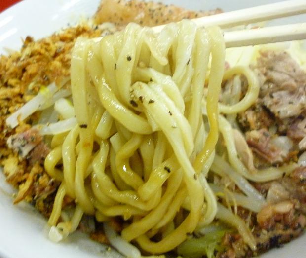 『豚喜』 汁なし(アブラ少な目・麺リフト)