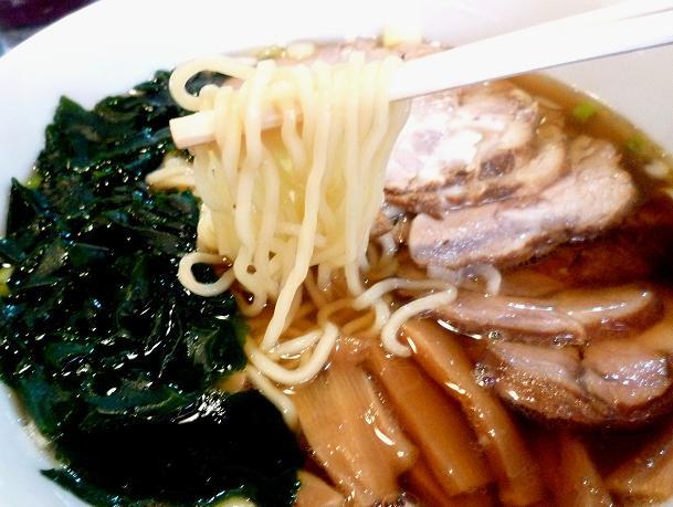 『海華 青砥店』 チャーシュー麺(麺リフト)