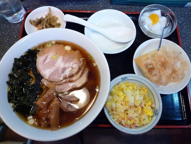 『海華 青砥店』 お昼の定食・チャーシュー麺(炒飯・餃子・デザート・コーヒー付) 730円