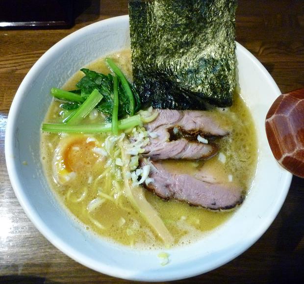 『麺屋 なごみ』 塩白湯麺(750円)
