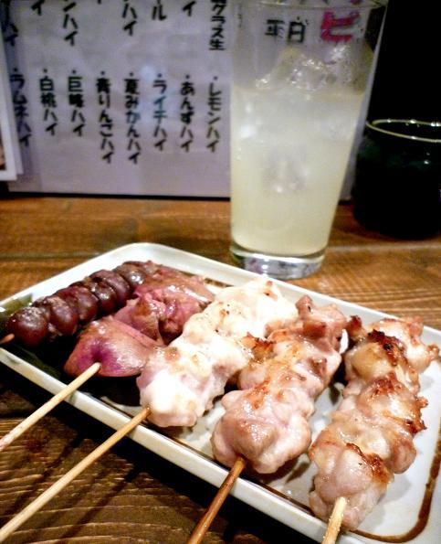 『鳥広 青砥店』 焼鳥とシークァーサーハイ(アップ)