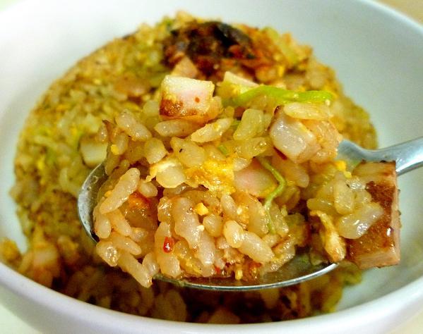 「食べるラー油入りチャーシュー炒飯」の飯リフト