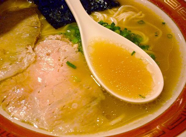 『佐賀ラーメン 美登里』 味自慢ラーメン(スープ)