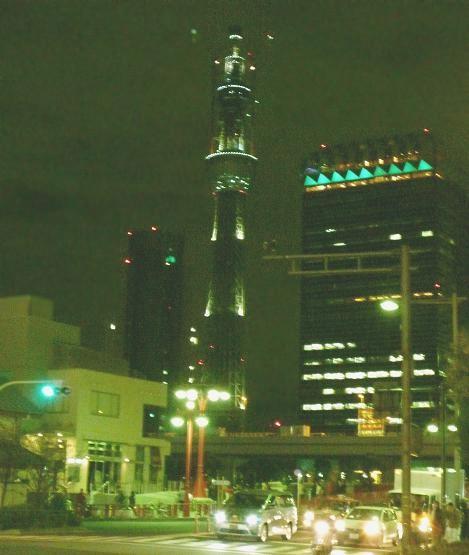 夜のスカイツリー(2010年12月24日撮影)