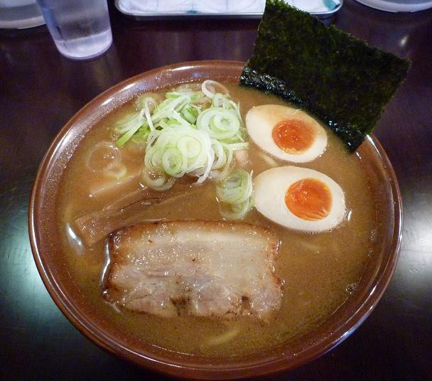 『らーめん なが田』 醤油らーめん(800円)