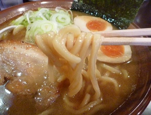 『らーめん なが田』 醤油らーめん(麺リフト)
