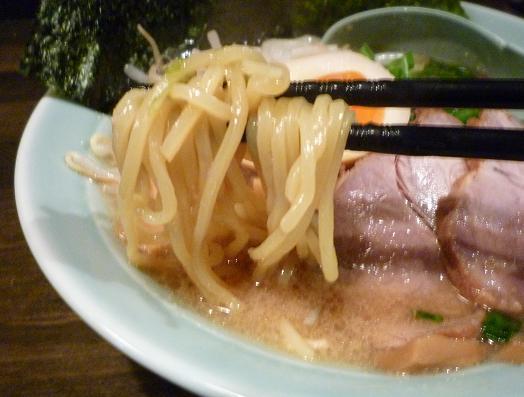 『麺処 勝麺』 ラーメン(麺リフト)