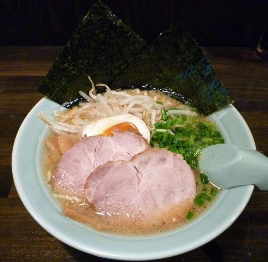 『麺処 勝麺』 ラーメン(600円)