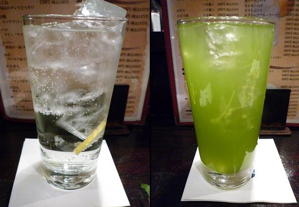 『おらんだ亭 青砥本店』 チューハイ(左)と抹茶ハイ(右)