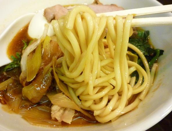 『らーめん 紬麦』 ラーメン(麺リフト)
