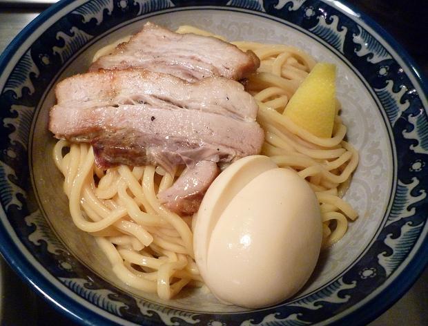 『池麺 KINGKONG』 トロフルつけめん+ハーブ半熟玉子(麺アップ)