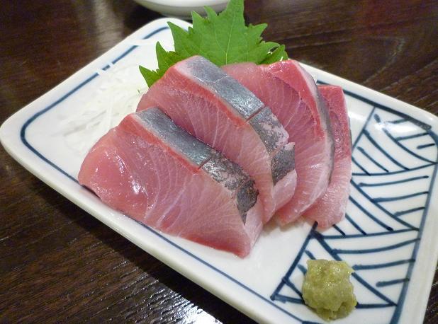 『金町製麺』 天然ブリの刺し身(400円)