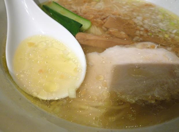 『鳥八(とりや)』 鶏塩支那そば(ランチ・スープ)