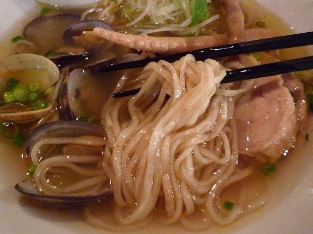 『新!東京らーめんチャンピオン』 「魚雷」 貝そば(麺リフト)