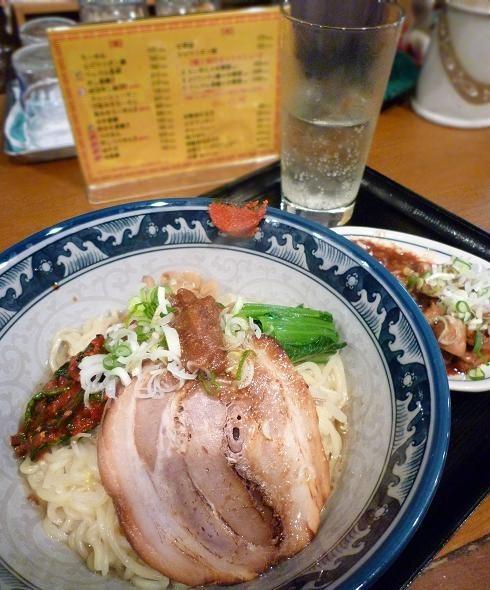 『麺・粥 けんけん』 油香麺 他(アップ)