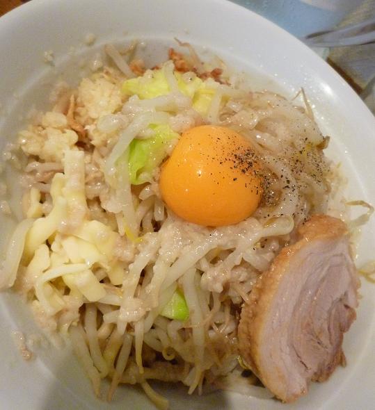 『麺処 MAZERU』 まぜそば(塩)+ヤサイ・ニンニク・チーズ(アップ)