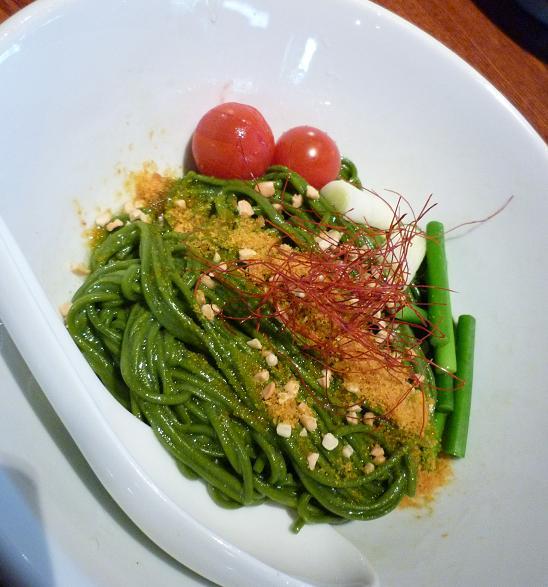 『ちゃぶ屋 ズットブランチ』 特 スピルリナ麺のあぶあらそば塩味(アップ)