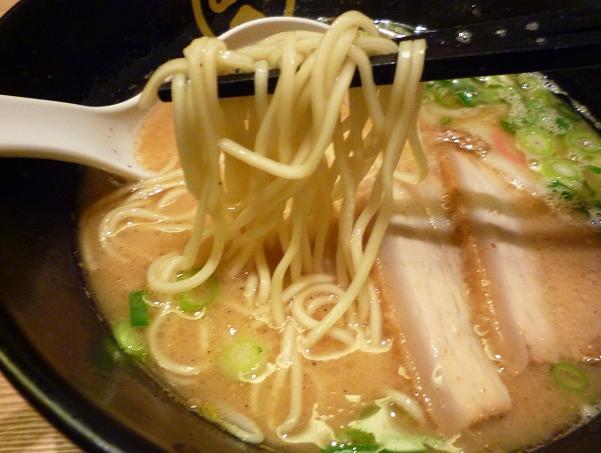 『TOKYO 豚骨 BASE MADE by 博多一風堂』 豚骨醤油(麺リフト)