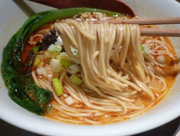『麺や 七彩 東京ラーメンストリート店』 担々麺(麺リフト)