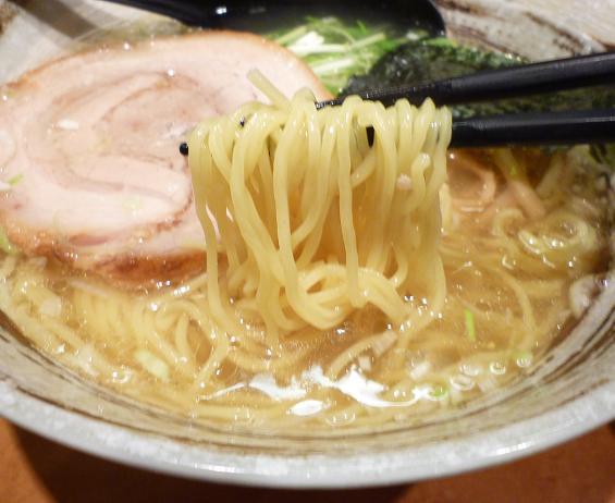 『中華蕎麦 つがい』 塩らーめん(麺リフト)