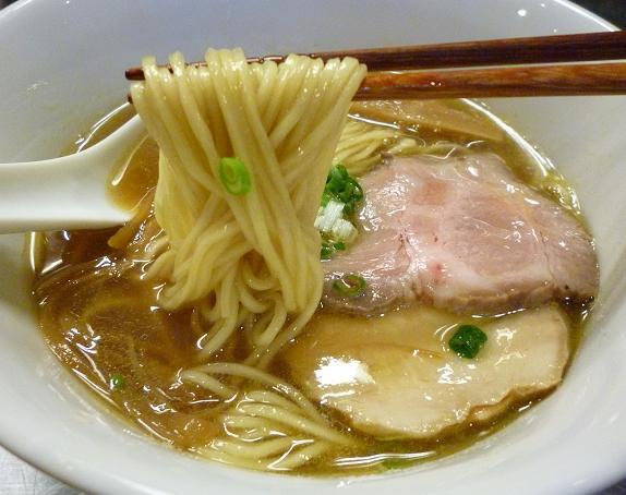 『麺創研かなで 改』 煮干らーめん(麺リフト)